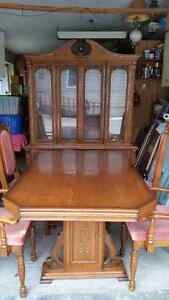 Dining Room Table & Wall Cabinet with 6 Chairs