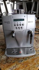 Machine à café  saeco incanto s-class de luxe .
