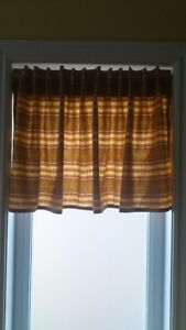 2 striped colored valances