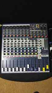 Soundcraft EFX8 lexicon mixer