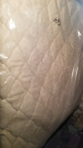 King SIMMONS Pillowtop Mattress w/ Boxes 4 sale - FREE DELIVERY!