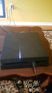 PS4 IN EXTREMELY GOOD CONDITION, CLEANED DAILY AND RUNS LIKE NEW