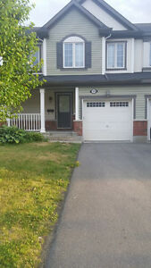 Clean & modern 3 bdrm townhome for rent in Orleans!!