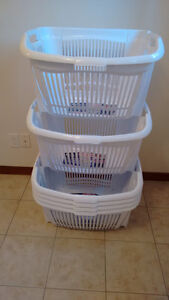 6 Stocable baskets