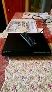 Sony DVD player with HDMI and controller