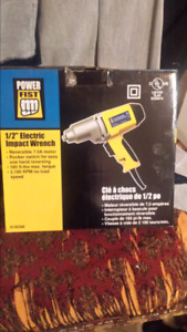 Half inch electric impact wrench