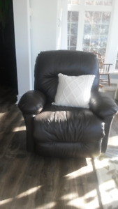 Leather reclining chair..like new