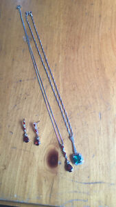 Garnet earnings/ necklace. Emerald necklace