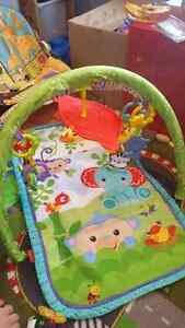 Tapis d'éveil Fisher Price  West Island Greater Montréal image 1