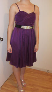 ROBE DE COCKTAIL VIOLETTE - S (small) 75$ négociable