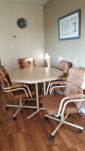 Table and 4 chairs *****REDUCED*****