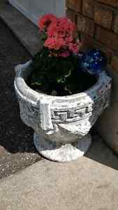 Concrete Flower Pots Kitchener / Waterloo Kitchener Area image 1