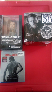 SONS OF Anarchy collectables: Jax Bobble Head, trivia game,
