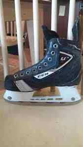 Jr. Size 2 CCM U+6 Hockey Skate Kitchener / Waterloo Kitchener Area image 1