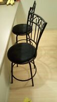 Beautiful bar stools - excellent condition