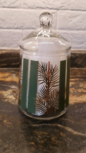 VINTAGE CLEAR GLASS APOTHECARY CANDY LIDDED JAR PINE MOTIF