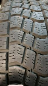 6 pneus LT 225/75R16 HIVER