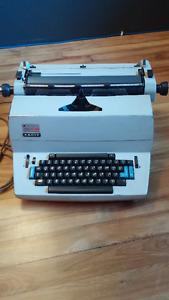 Typewriter Facit 1820