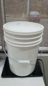 5 Gallon - Plastic White Pails with Lids!! BRAND NEW