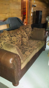 DIVAN (SOFA) DE 4 PLACES, ET 1-CAUSEUSE DE 3 PLACES, BEAU STYLE