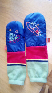 SOLD Boys 'mimi tens' mittens blue and red space theme