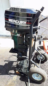 Moteur Mercury 25 HP, 2T,  pied court EXCELLENTE CONDITION