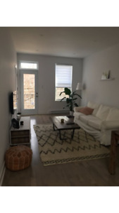 Looking for a roommate for a 2 bedrooms 2 bathrooms.