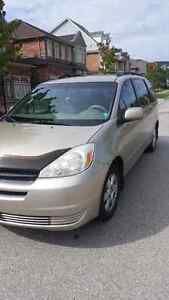 2005 Toyota Sienna LE excellent condition