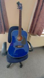 Acoustic guitar 4/4 size