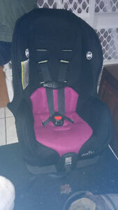 Excellent condition pink Evenflo car seat