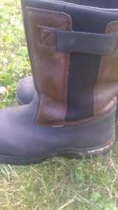Almost New Car hart Steeltoe Boots