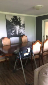 Antique Solid Oak Dining Table & 6 chairs