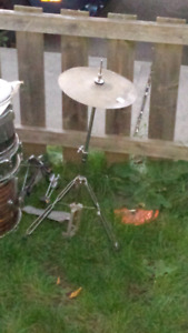 Drums $200 firm