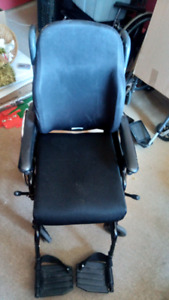 Wheelchair - Invacare 900XT