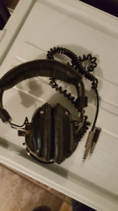 LM LINCONWOOD HP-500X HEADPHONES FOR SALE!