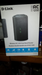 D - LINK  AC 1200  WIRELESS DUAL BAND ROUTER DIR 820L