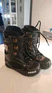 Want gone!! Thirty-two Womens Snowboard Boots size 8.5