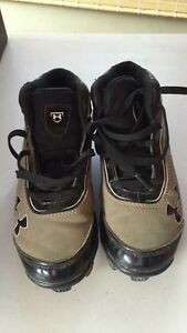 Baseball Cleats- Under Armour - Size 1 youth