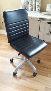 New computer chair for sale