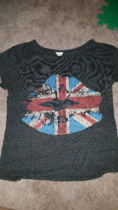 Lot of Women's m/l shirts all for 25