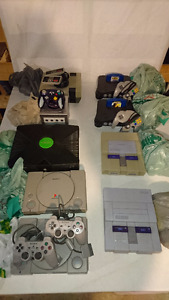 Nintendo N64 GameCube NES SNES XBOX playstation PS1 - Manettes