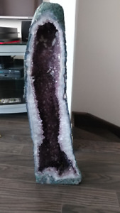 beautiful amethyst geode 32 inches tall