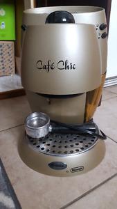 DeLonghi Cafe Chic espresso maker - Machine espresso