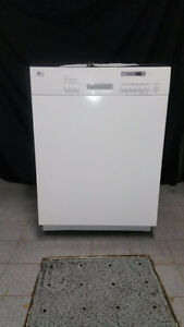 LAVE VAISSELLE BLANC/STAINLESS LG /DISHWASHER