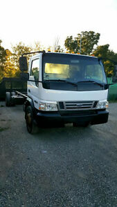 2007 Ford LCF Truck - Excellent Condition