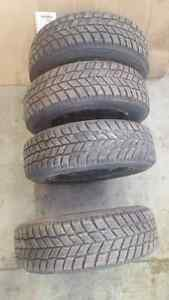 4 x 185/65 R14 Hankook winter tires pneus d hiver + 4 steel rims