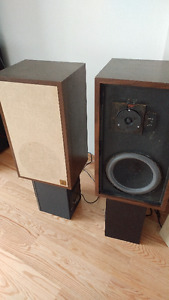 AR SPEAKERS FROM THE LATE 60'S EARLY 70'S SOUND NICE