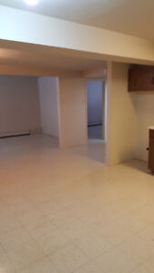 clean,  just painted, 1000 sq. ft., 15 min. walk to uptown