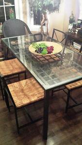 table de cuisine (vitre)- étagère vitre- table salon vitre IKEA