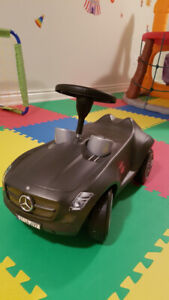 Mini mercedes benz ride on car for toddlers